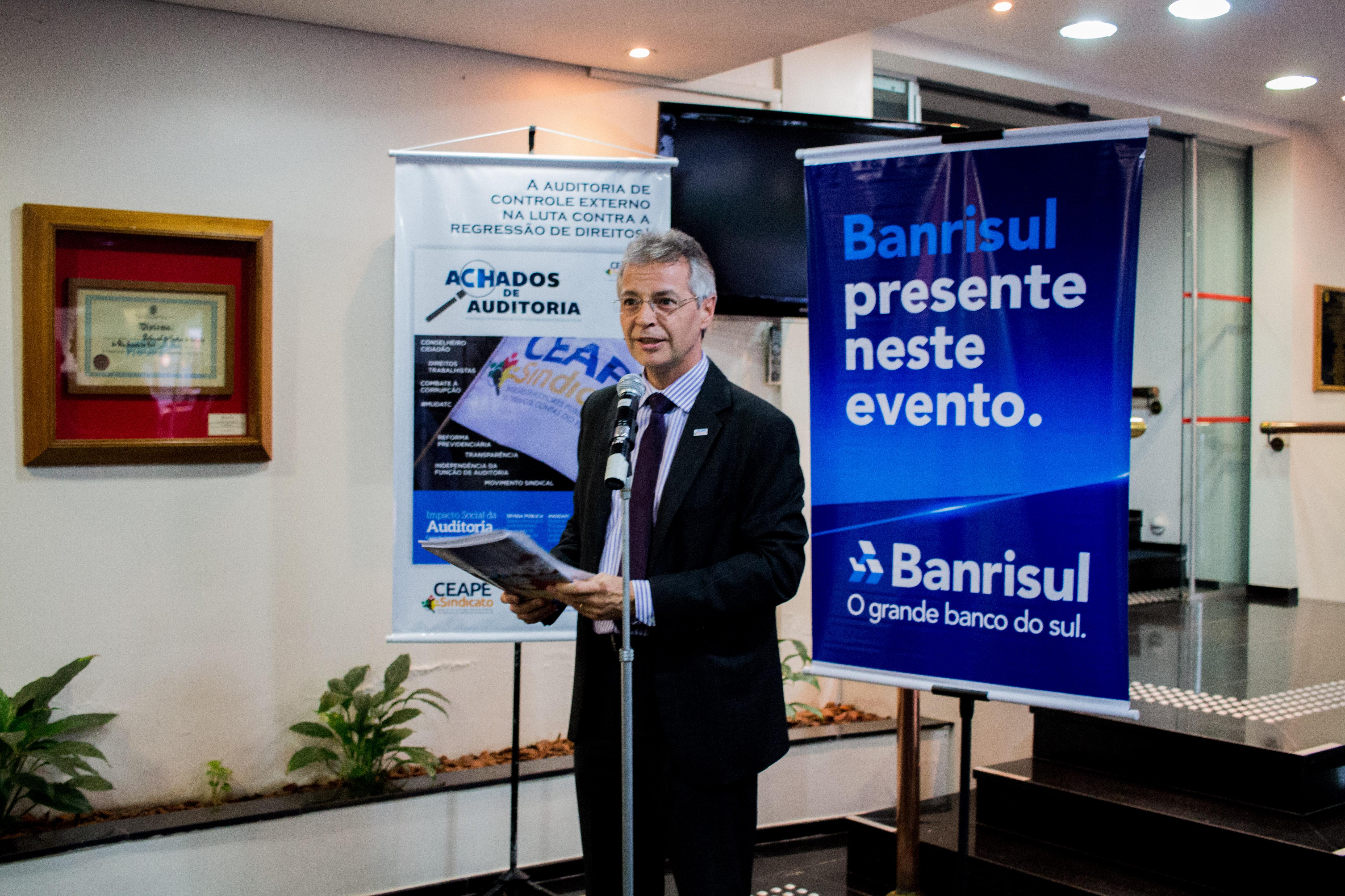 427b8f5f5b ... vice-presidente do Centro dos Funcionários do Tribunal de Justiça do RS  (Cejus). Também presente Maicon Prado